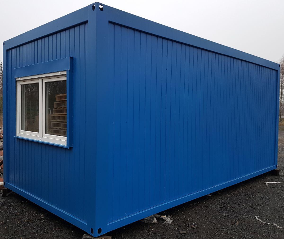 Wohncontainer mit großem Vorraum
